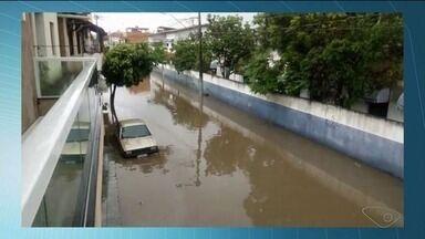 Ruas de Marataízes, no Sul do ES, amanhecem alagadas após chuva - Chuva durou cerca de meia hora.