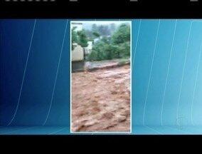 Forte chuva alaga ruas em Campanário - Temporal durou cerca de uma hora.