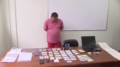 Homem que falsificava documentos de idosos para fraudar o INSS é preso - A polícia chegou ao estelionatário por acaso.