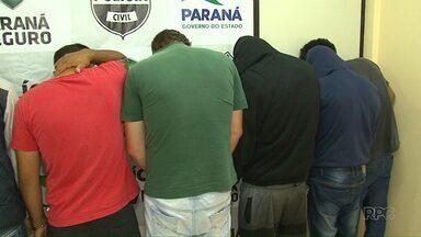 Operação prende 11 suspeitos de roubos e de assaltos em Guarapuava - Polícia suspeita de ao menos cinco crimes com a participação deles na cidade; grupo foi preso nesta quinta-feira (14).