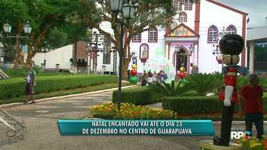 Praça Encantada segue até o dia 23 em Guarapuava - Praça 9 de Dezembro está enfeitada e com inúmeras atrações durante o Natal