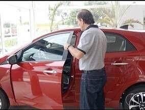 Financiamento de veículos cresce e concessionários aproveitam para atrair clientes - Crescimento ocorre devido à queda dos juros.