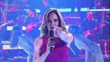 Ana Furtado domina o palco do 'Adnight Show' - Anitta fica impressionada com o talento vocal da apresentadora