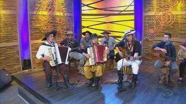 Marcio Padula canta 'A Deusa de Barro' no 'Galpão Crioulo' (bloco 3) - Assista ao vídeo.