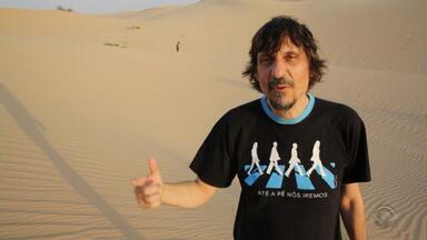 Peninha faz passeio por deserto de Abu Dhabi e encontra grupo de gremistas - Assista ao vídeo.