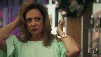 Nádia fala mal de Sophia no salão - Ela não se conforma por ter perdido título para Clara