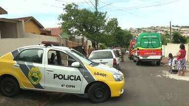 Bandidos trocam tiros com a polícia durante fuga - Um dos ladrões foi atingido por quatro tiros.