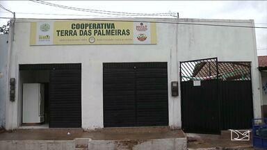 Cooperativa muda vida de ex-vendedoras de comida em estrada de trem no Maranhão - Mulheres que antes ganhavam a vida vendendo comida para os passageiros do trem da Estrada de Ferro Carajás, mudaram de atividade e comemoram as conquistas.
