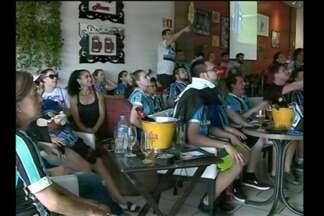 A final do Mundial de Clubes mexeu com os torcedores em Santa Rosa, RS - Os gremistas acompanharam o jogo no centro da cidade.