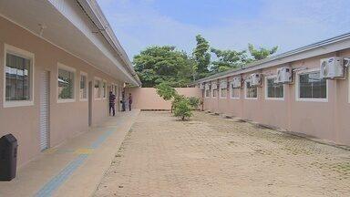 Escola estadual Flora Calheiros é inaugurada após sete meses de atraso - Mais de quatro milhões foram gastos na obra.