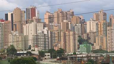 Donos de imóveis em Londrina podem pedir revisão do valor do IPTU - A solicitação deverá ser feita após o recebimento do carnê.
