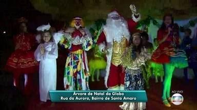 Campanha da Globo Nordeste arrecada brinquedos para alegrar o Natal de crianças carentes - Doações podem ser feitas na Árvore da Globo, na Rua da Aurora, no Centro do Recife.