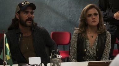 Sophia exige que Josafá seja transferido para a delegacia de Palmas - Mercedes pede para a vilã retirar a queixa contra o avô de Clara