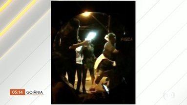 Segurança de boate agride mulher com um chute na boca em GO - Ele teria ficado irritado porque a vítima estava com um grupo que não queria sair do local reservado para uma festa universitária.