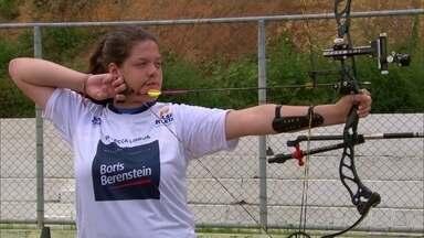 Rebeca Lisboa faz sucesso no tiro com arco com muitas conquistas no Brasil - Pernambucana, de 14 anos, tem 1,82m de altura e mira disputa em uma olimpíada