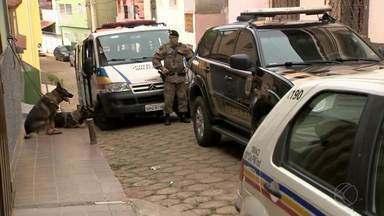 Polícia Federal cumpre 17 mandados de prisão contra suspeitos de roubos aos Correios em MG - Operação Falco Peregrinus ocorre nesta quinta (21) em Viçosa e Ervália. Investigações começaram há um ano; prejuízo supera R$ 3,7 milhões, segundo os Correios.
