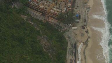 Prefeitura vai reabrir a Estrada do Pontal após desmoronamento do calçadão do Recreio - A prefeitura promete reabrir a Estrada do Pontal a partir das 7h desta sexta-feira (22). A via dá acesso às praias de Grumari e Prainha, muito procurada por turistas.