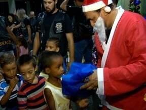 Moto Clube distribui brinquedos e lanches para crianças de Panorama - Mais de 400 presentes foram doados pela comunidade.