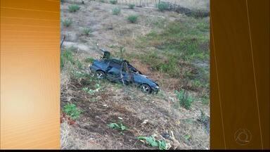Acidente entre carro e animal na pista deixa mulher morta, em Itaporanga - Ela vinha de moto com o namorado, que sobreviveu.