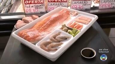 Veja dicas de alimentos para realizar a ceia de Natal - A repórter Sandra Fonseca traz dicas para a ceia do Natal direto do Mercado Municipal de Sorocaba (SP).