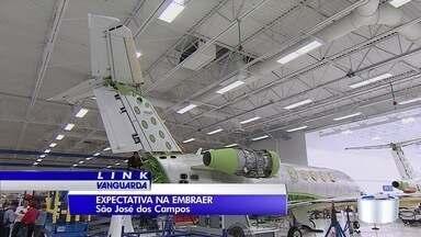Possível fusão entre Embraer e Boieng deixou funcionários apreensivos - Sede da Embraer é em São José dos Campos.