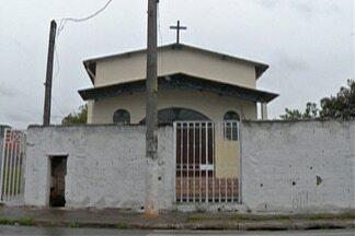 Polícia de Itaquaquecetuba investiga assalto em casa paroquial na Vila Celeste - Suspeitos levaram R$ 7 mil, além de equipamentos eletrônicos.