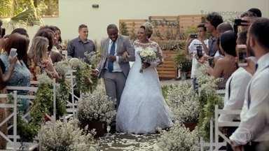 Você abriria mão de seu sonho por outra pessoa? - A história de hoje acaba com casamento!