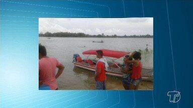 Capitania e Polícia investigam acidente entre lancha e barco que matou dois em Juruti - Lancha bateu com barco na madrugada de domingo (24) no rio Amazonas. Segundo investigações, o barco navegava sem sinalização e não tinha autorização para viajar durante a noite.