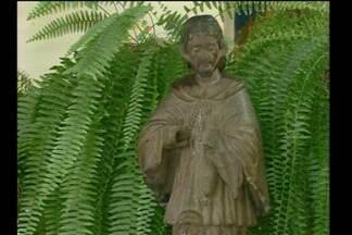 Comunidade vê com esperança a volta de São Nicolau para casa - Eles já fazem pedidos para o santo conhecido pela bondade.