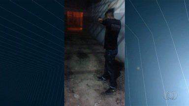 Servidores são afastados após atirarem contra parede do presídio de Valparaíso de Goiás - Seap diz que ação não tem justificativa e não é o procedimento padrão. Uma sindicância foi aberta para apurar o caso.