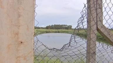 Menino se afoga em lagoa nos fundos de bairro em Campo Grande - Garoto estava brincando com outras duas crianças. Segundo o Corpo de Bombeiros, vítima foi socorrida e levada inconsciente para hospital.