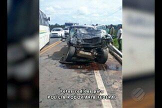Acidente é registrado na BR-155, próximo ao município de Eldorado dos Carajás - Caminhão bateu em um ônibus no trecho da rodovia que é de mão dupla.