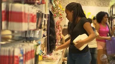 Consumidores vão as lojas da capital baiana para trocar os presentes do Natal - Para aqueles que não gostou do presente, ou não coube, é o momento certo para fazer a troca.