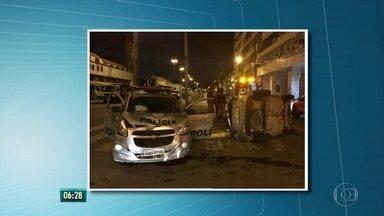 Acidente entre viatura da PM e carro de passeio deixa um ferido - Colisão ocorreu no Centro do Recife