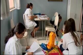 Falta de recursos compromete atendimentos da Apae em Divinópolis - Programa 'Pipa' poderá deixar de funcionar. Associação conta com apoio da população.