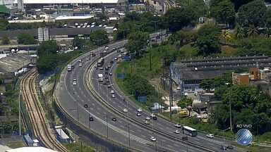 Viagens de fim de ano: veja o movimento na BR-324 e na entrada da rodoviária de Salvador - Confira as imagens e programe-se.