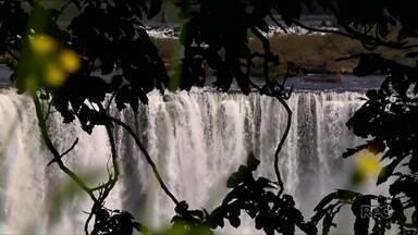 Foz do Iguaçu é destino de muitas pessoas nas férias de fim de ano - Um dos pontos mais visitados são as Cataratas do Iguaçu e a Usina de Itaipu.