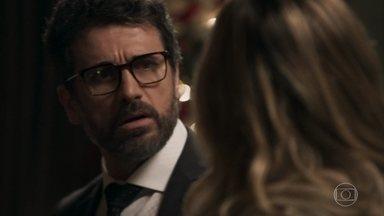 Samuel se confunde ao falar sobre suas peças íntimas - O médico disse que também iria passar o ano novo de calcinha