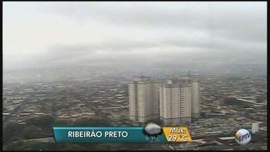 Previsão de céu nublado e chuva nesta quinta-feira (4) na região de Ribeirão Preto - Temperatura máxima prevista é de 29ºC.