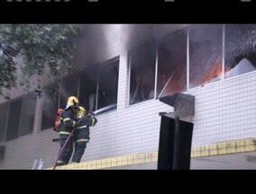 Polícia Civil decide não abrir inquérito para investigar incêndio de Galeria em Valadares - Um perito esteve no prédio e constatou a inexistência de indícios criminosos.