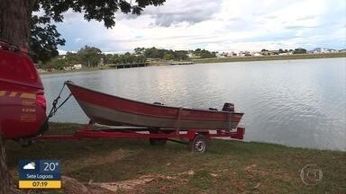 Corpo é encontrado na Lagoa da Pampulha, em Belo Horizonte - Cadáver foi visto por guardas municipais, que chamaram os bombeiros.