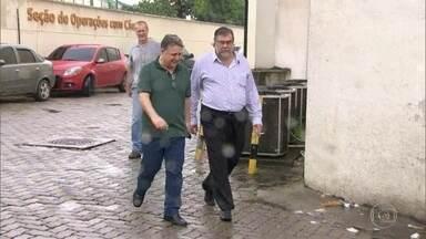 Garotinho presta novo depoimento sobre agressão que diz ter sofrido quando estava preso - Ex-governador chegou na Cidade da Polícia pouco depois das 11h acompanhado pelo advogado.