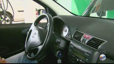 Confira orientações que podem ajudar a economizar combustível - Com pequenas atitudes ao volante, é possível gastar menos.