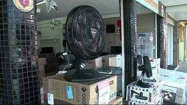 Altas temperaturas aquecem vendas de ar-condicionado e ventiladores em Serra Talhada - Aumento de cerca de 30% foi registrado no comércio.