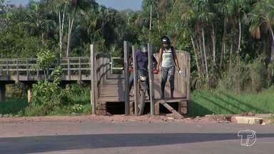 Motociclistas continuam transitando de forma irregualar pela ponte do bairro Mapiri - Veja os flagrantes.