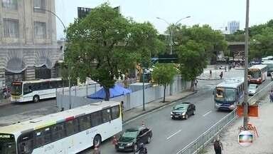 Avenidas Francisco Bicalho e Marechal Fontenelle terão interdições - A Avenida Francisco Bicalho terá interdições em uma faixa, no trecho em frente à Leopoldina, devido a obras de saneamento. Há ainda intervenções ainda na Avenida Marechal Fontenelle, próximo a Sulacap.