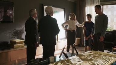Gael se afasta de Sophia ao ver Tomaz - Ele aconselha o pai a lutar para reconquistar Clara