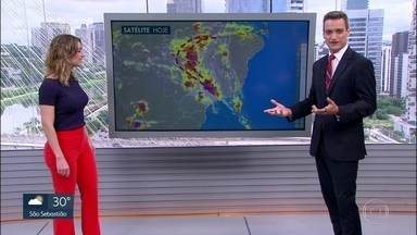 Veja como fica o tempo em São Paulo neste sábado (6) - A previsão é de chuva em praticamente toda a Grande São Paulo na parte da tarde. No litoral, também podem ocorrer temporais com raios.