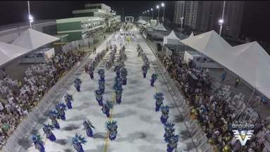 Desfile das escolas de samba de Santos terá novidades em 2018 - Apresentações acontecem nos dias 2 e 3 de fevereiro, e as agremiações do grupo especial terão verba reajustada.