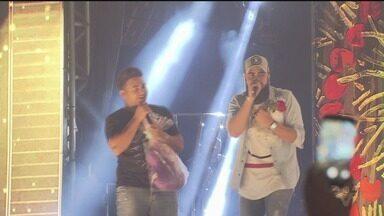 Show da dupla Henrique & Juliano reúne milhares de pessoas em São Vicente - Dupla se apresentou no Litoral Music Fest, na praia do Itararé, e cantou seus grandes sucessos.